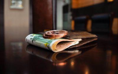 Angajatul poate refuza încasarea salariului în cont bancar?